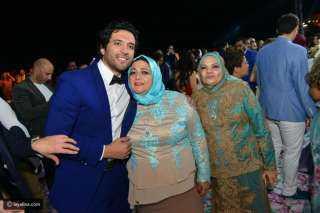 وفاة والدة الفنان حسن الرداد والفنان ينعيها: سلمى على فادى وبابا