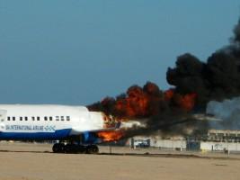 بالصور.. مطار الغردقة ينفذ تجربة السيطرة على حريق طائرة بالمطار