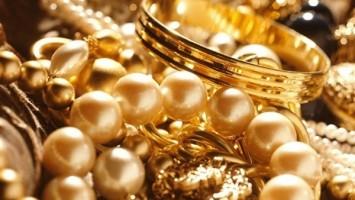 الذهب ينخفض بقيمة 1 جنيها وعيار 21 يسجل 650 جنيها
