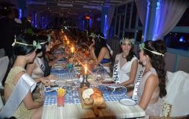 « صن رايز » تقيم حفل عشاء فاخر بالمذاق اليوناني لملكات جمال القارات بالغردقة (صور)