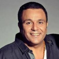عدد كبير من النجوم يتسابقون على الغناء لمصر لدعم الإنتخابات