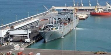 وصول 127راكبا و94 شاحنة بضائع بميناء سفاجا