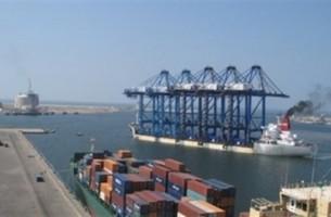 موانئ بورسعيد: تداول 35 سفينة بضائع وحاويات