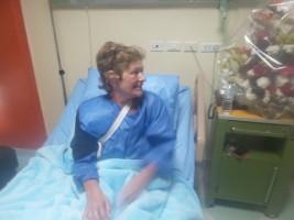 سائحة إنجليزية تشكرالرئيس السيسى لعلاجها مجانا بمستشفى النيل فى الغردقة