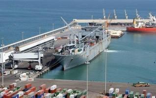 وصول و سفر 1027 راكب بميناء سفاجا و تداول 459 شاحنة