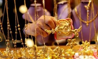 أسعار الذهب ترتفع عالمياً مع تراجع الدولار