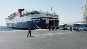 موانئ البحر الأحمر: تداول 18 سفينة و271 شاحنة بضائع و82 سيارة