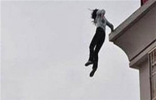 انتحار فتاة بإلقاء نفسها من شرفة منزلها بمنطقة البيطاش بالإسكندرية
