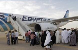 مصر للطيران تنقل 3 آلاف و698 معتمرا عبر 19 رحلة لـ جدة والمدينة