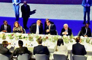 السيسى يحضر مأدبة عشاء مع وفود المنتدى الأوروبى