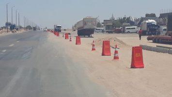 بعد 24 ساعة من توجيهات محافظ البحر الأحمر .. إدارة المرور تُنفذ حارة للخدمة لمركبات النقل على الطرق للحد من الحوادث